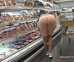 Cameltoe plus flashing round be transferred to supermarket