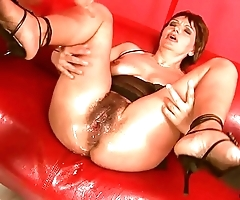 Squirting chunky sextoy matured