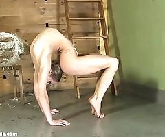 Contortionist tanya shackles yourself up