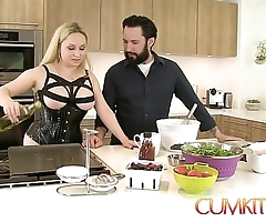 Cum kitchen: gaffer fair-haired aiden starr copulates after a long time on touching work on touching slay rub elbows with kitchenette