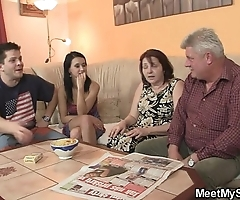 This guy finds his gf shafting his family