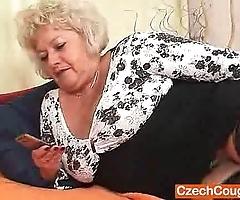Big-breasted fleecy fur pie grandma