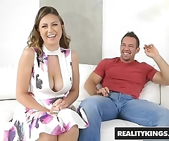 Realitykings - fat naturals - revealing powerful rose