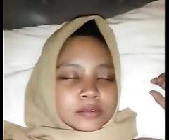 Indonesian cewek jilbab dientot loyalty 1 480p
